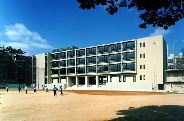 灘高等学校 新高校棟  建築主 学校法人 灘育英会 所在地 兵庫県神戸市 構造 RC造 階数 .