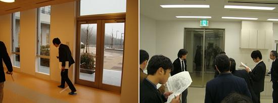 左:院内診療対応用出入口、右:夜間救急用出入口は寒さをしのぐ3枚扉