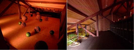 (左:屋根裏を活用した収蔵展示室。右:天井裏に作ったロフト。トラス式の構造をみることができる。)