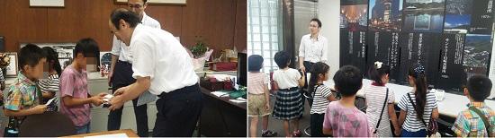 左:社長室を訪問して社長の佐野と名刺交換をする子どもたち